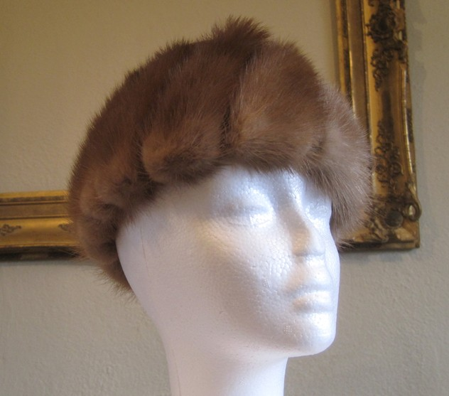 1950s designer mink and velvet hat-amanda-leader-Mink and velvet hat 0001_main_636154979430720184.JPG