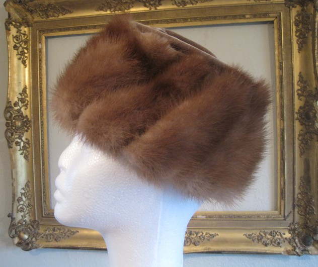 1950s designer mink and velvet hat-amanda-leader-Mink and velvet hat 0002_main_636154980827450855.JPG