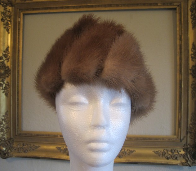 1950s designer mink and velvet hat-amanda-leader-Mink and velvet hat 0003_main_636154982554292338.JPG