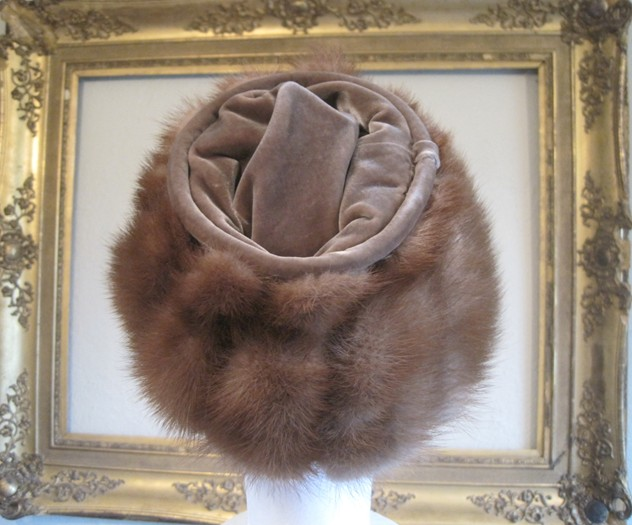 1950s designer mink and velvet hat-amanda-leader-Mink and velvet hat 0004_main_636154982670205539.JPG