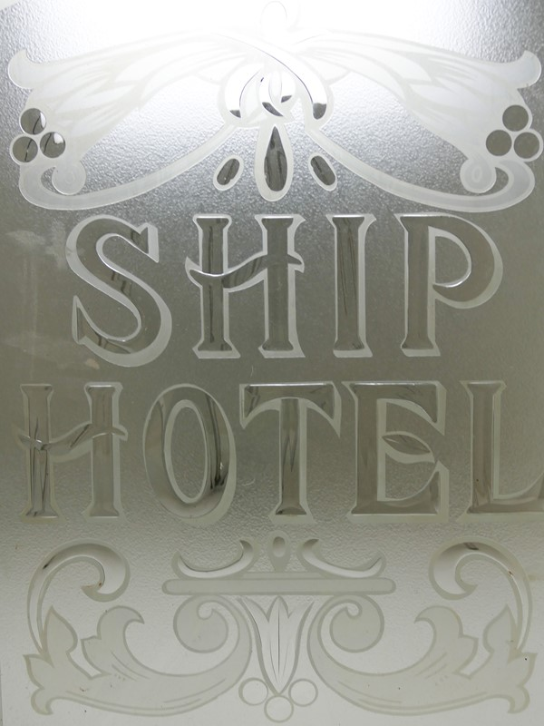 Etched Glass Door Panel from the Ship Hotel -anterior-p1050089-edited-main-637454612125029121.jpg