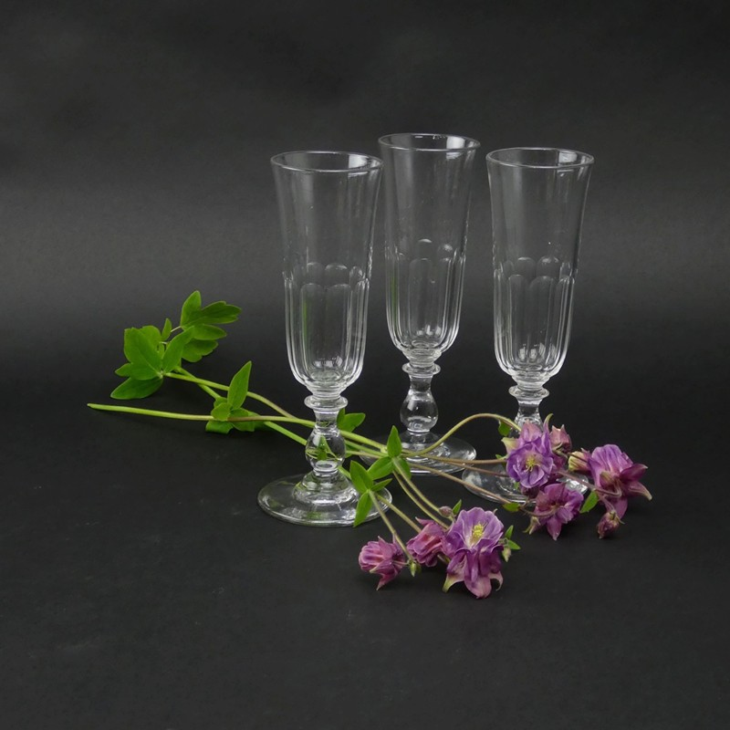 Crystal champagne flutes-appleby-antiques-E18025a-3-Crystal-flutes-main-636622573196544225.jpg
