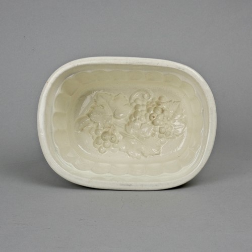 Wedgwood jelly mould