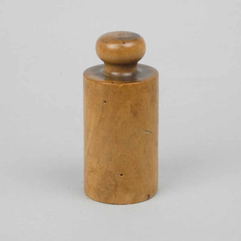 Very small, wooden pie mould-appleby-antiques-g19795c-small-pie-mould-main-637302549220448811.jpg