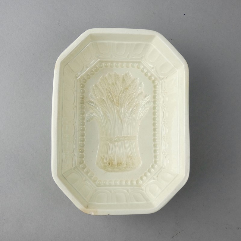 18th Century Wheatsheaf mould-appleby-antiques-g19886a-wheatsheaf-on-legs-chip-to-rim-main-637395887046140319.jpeg