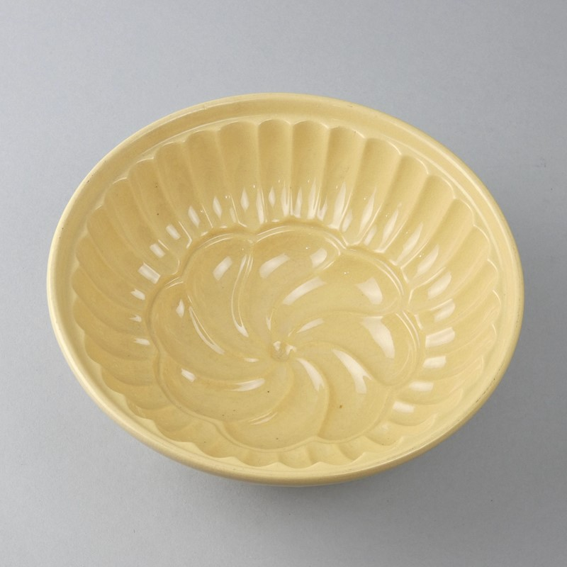 Buff coloured jelly mould-appleby-antiques-g19921a-yellowware-geo-main-637462454562307159.jpeg