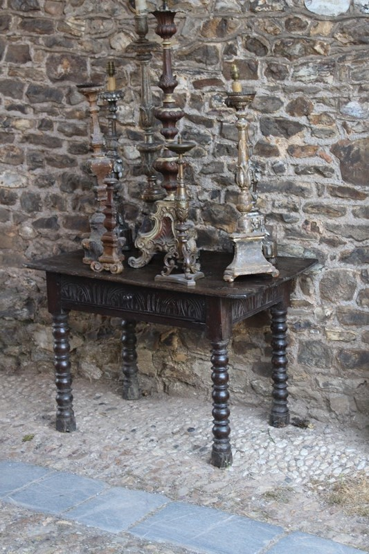 Early !8th Century bobbin legged side table-archgothic-img-0405-main-637322277844717138.JPG