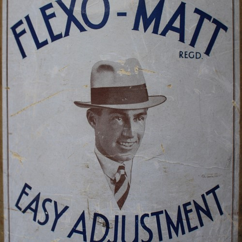 The Flexo-Matt 1930's hatbox with top hat