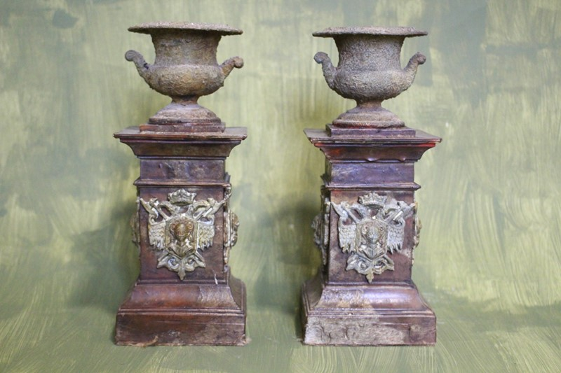 A pair of crusty urns-archgothic-img-8525-main-637179243747138493.JPG