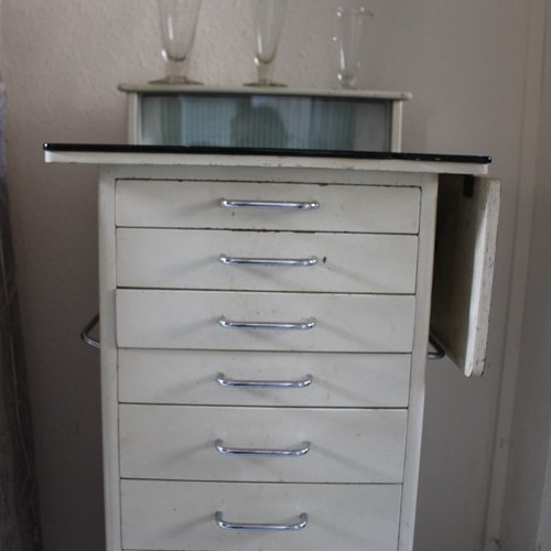 Dental hospital instrument cabinet