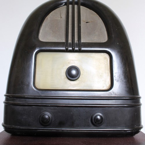 Gothic streamlined Philco wireless