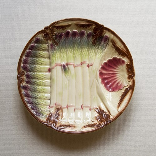 French majolica (Barbotine) plate
