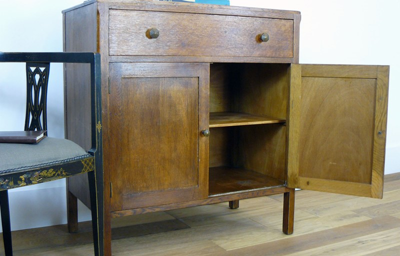 An english 1930s oak side cabinet-billy-hunt-1930s Oak Side Cupboard_0006_P1280461-main-636785638304742803.jpg