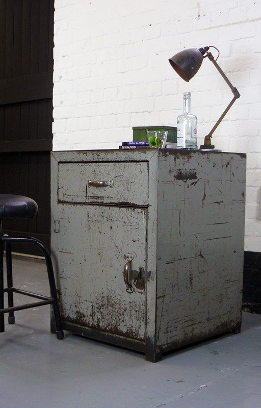Vintage Industrial British Workshop Cabinet-billy-hunt-Vintage Workshop Cabinet_0006_P1260245-main-636679605836767730.jpg