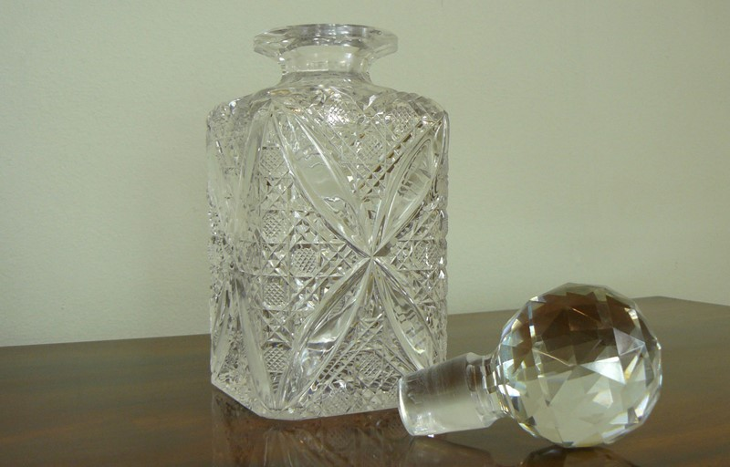 Set of 3 Edwardian Cut Glass Spirit Decanters-billy-hunt-edwardian-cut-glass-decanters-0003-p1390028-main-637329112086957968.jpg
