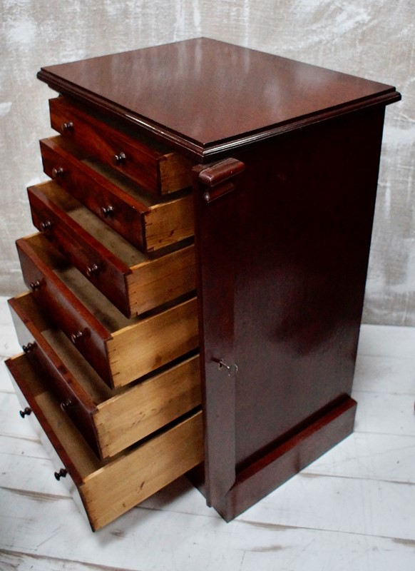 Victorian Flame Mahogany Wellington Chest-clubhouse-interiors-ltd--dsc0432-main-637177042638716849.jpeg
