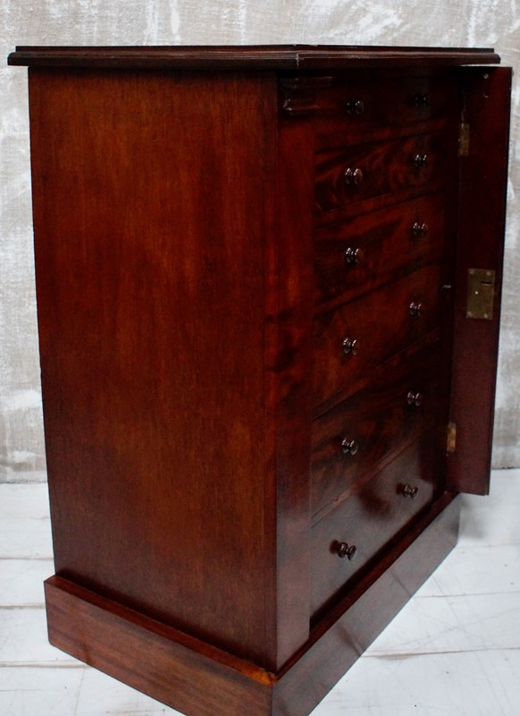 Victorian Flame Mahogany Wellington Chest-clubhouse-interiors-ltd--dsc0436-main-637177042757935235.jpeg