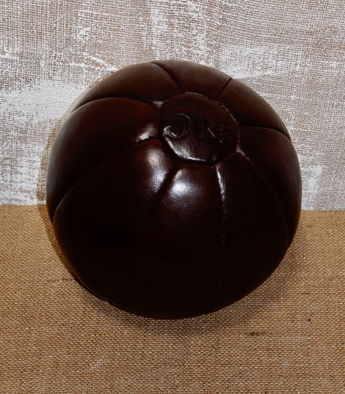 Leather 5kg Medicine Ball-clubhouse-interiors-ltd--dsc0987-main-637262776677570966.jpeg