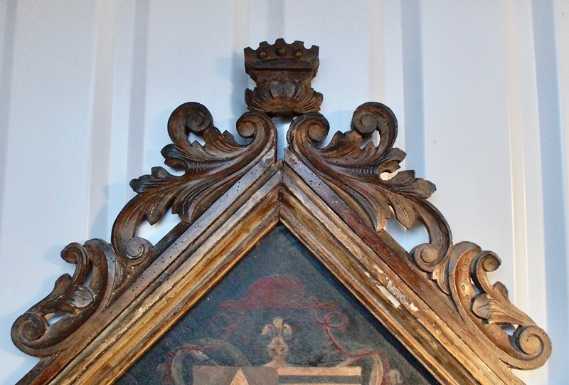 18th  Century Heraldic Family Crest -clubhouse-interiors-ltd--dsc7597-main-636843631285038016.jpg