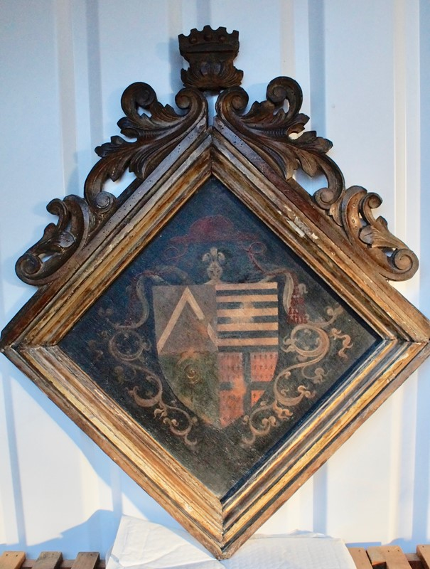 18th  Century Heraldic Family Crest -clubhouse-interiors-ltd--dsc7598-main-636843631319881269.jpg