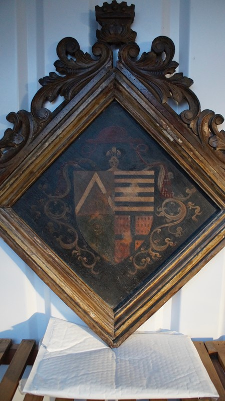 18th  Century Heraldic Family Crest -clubhouse-interiors-ltd--dsc7601-main-636843631440035857.jpg