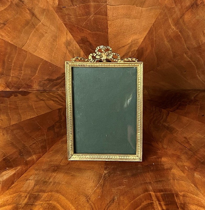 French Gilded Bronze Photo Frame-collier-antiques-img-2450-main-637423512626790646.JPG