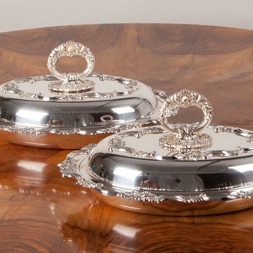 Pair of Victorian Silver Plated Entrée Dishes