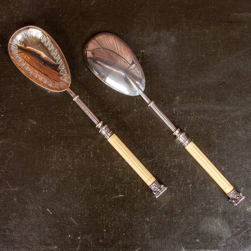 A Cased Set of Victorian Serving Spoons-collier-antiques-rj00523-3-main-637389699189773807.jpg