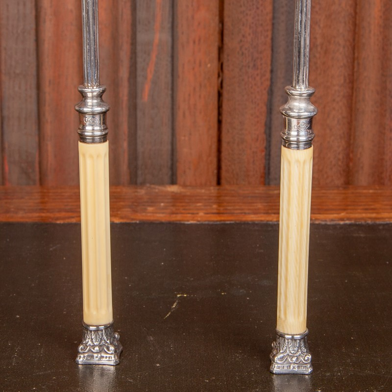 A Cased Set of Victorian Serving Spoons-collier-antiques-rj00523-4-main-637389699175086768.jpg