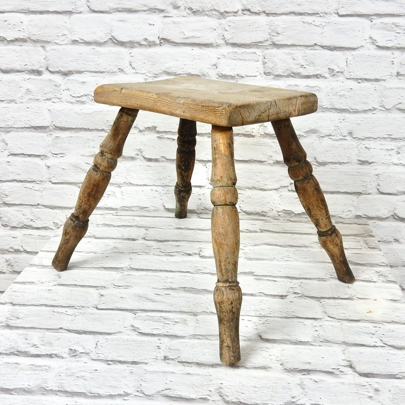 C19th Antique Country Stool-courtyard-antiques-32685924-5324-461c-95d3-3b35f2387ef0-1-201-a-main-637298933302144982.jpeg