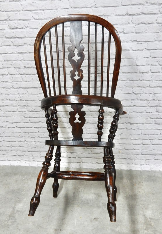 Large Antique Yorkshire Broadarm Windsor Armchair-courtyard-antiques-73c72b34-3663-493b-be12-773a68357109-1-201-a-main-637463379457022504.jpeg