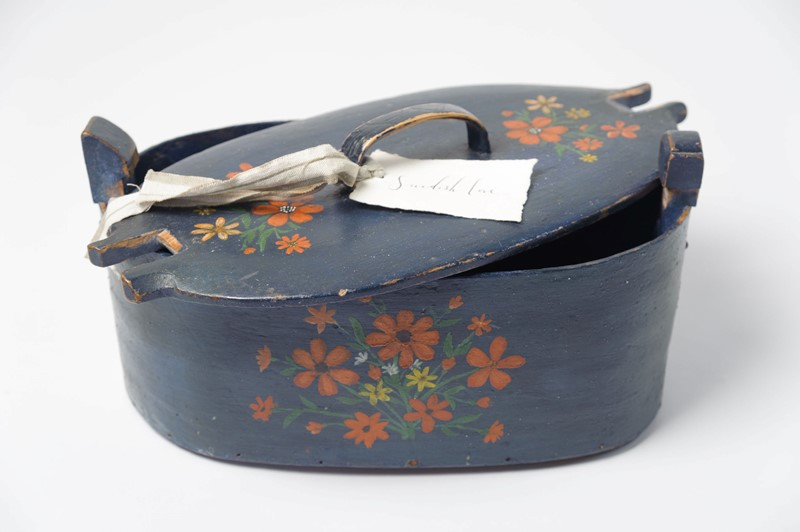 Antique Swedish Folk Art Bentwood box-decorative-antiques-uk-dajune19-11-main-636959674429643493.jpg