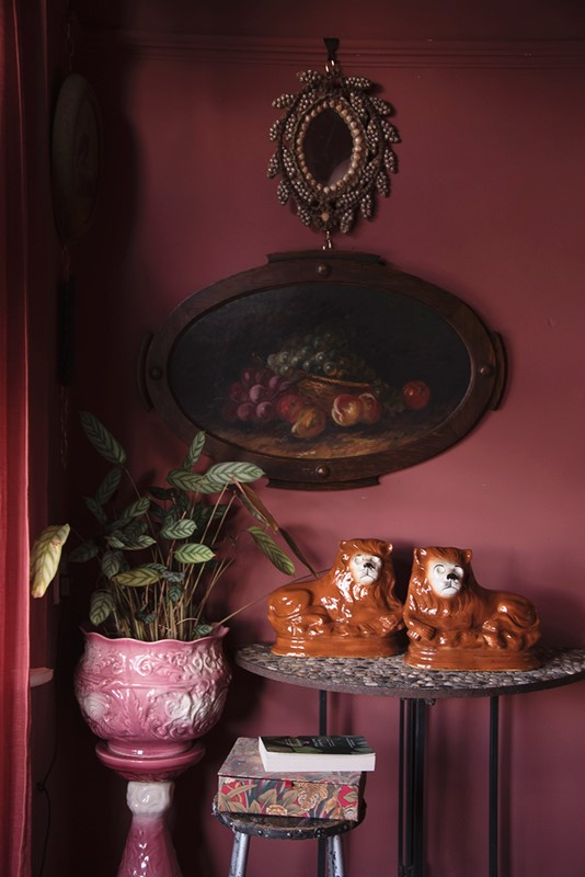 a pair of ceramic lions-dig-haushizzle-doubleleonard14-main-636879152501194327.jpg