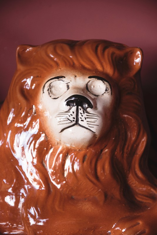 a pair of ceramic lions-dig-haushizzle-doubleleonard7-main-636879152904160441.jpg