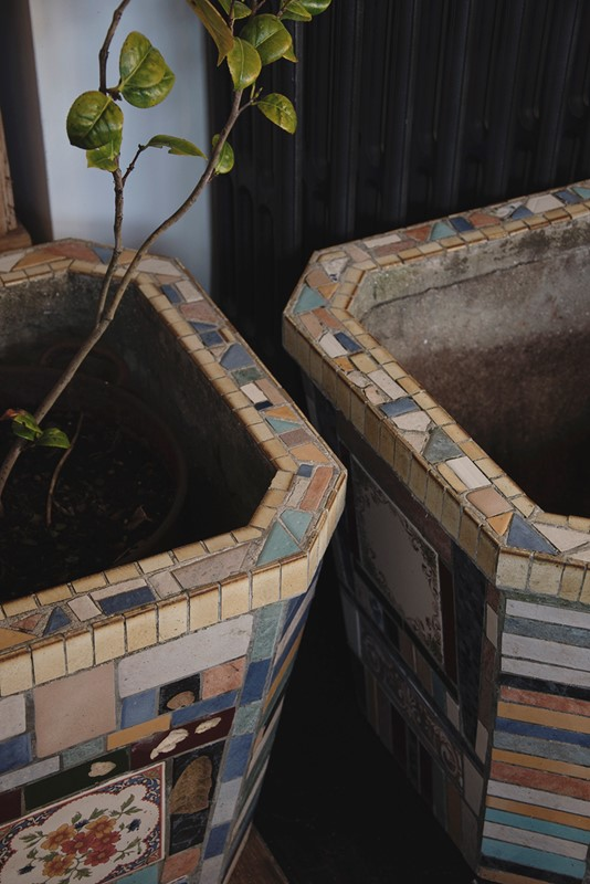 A Pair Of Mosaic Tube Style Planters -dig-haushizzle-eddmosaic12-main-636833218144723996.jpg