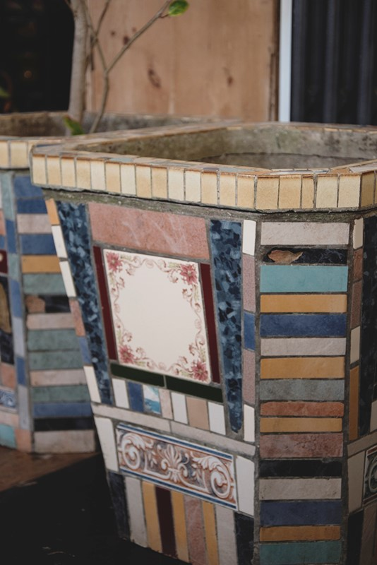 A Pair Of Mosaic Tube Style Planters -dig-haushizzle-eddmosaic15-main-636833218290509061.jpg