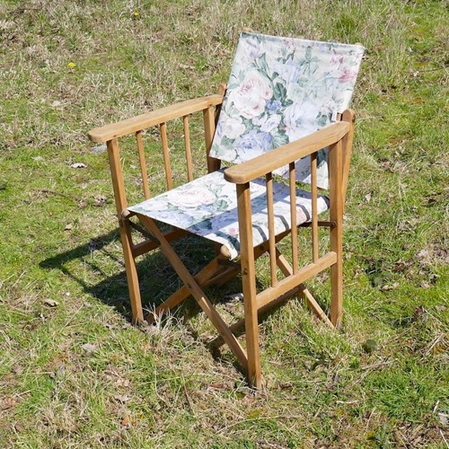 Vintage Floral Fabric Folding Directors Chair