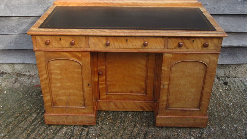Antique Victorian Satinwood Writing Desk -eras-of-style-img-0224-main-637389768077929551.JPG