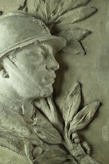 Large Plaster Plaque of Soldier-fontaine-decorative-FON0607_D_main_636360752145438404.png
