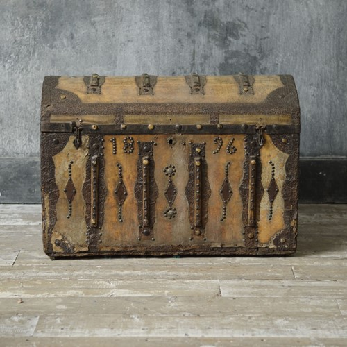 Swedish domed trunk 19th Century