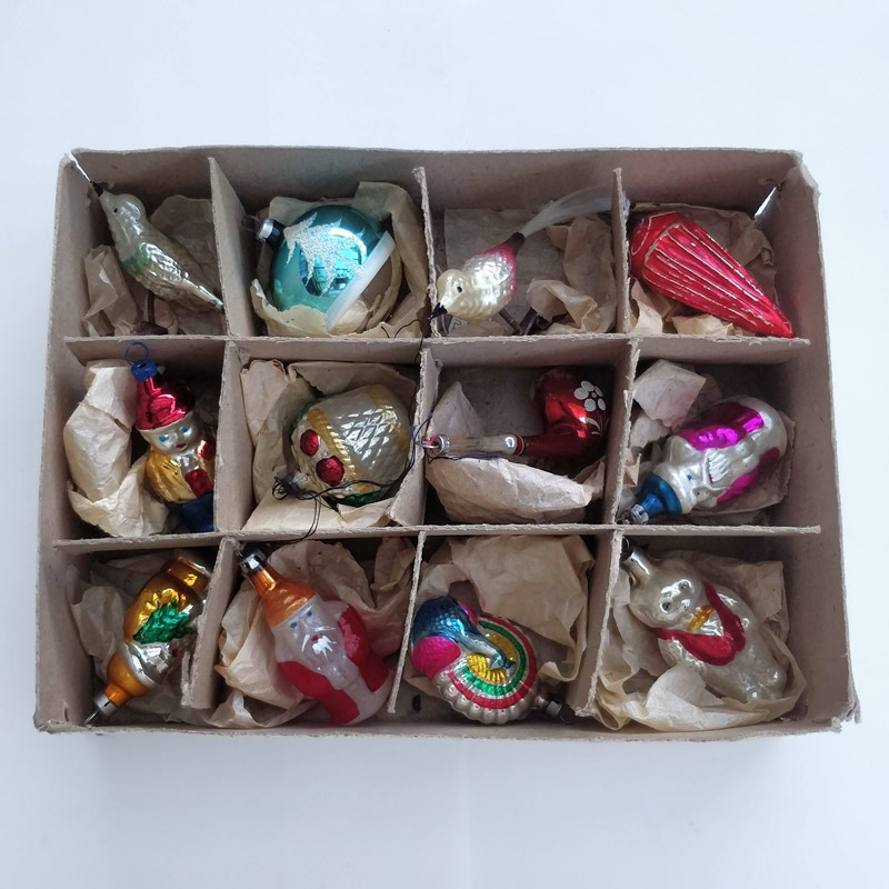 Box of christmas decorations-general-store-no-2-1-main-636803848208246924.jpg