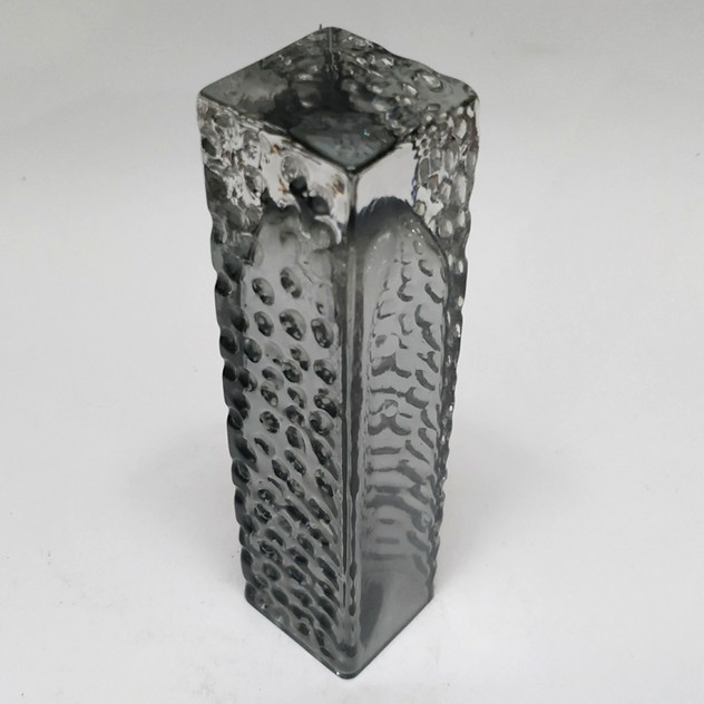 Whitefriars vase in smokey grey-general-store-no-2-1e_main_636465876529557861.jpg