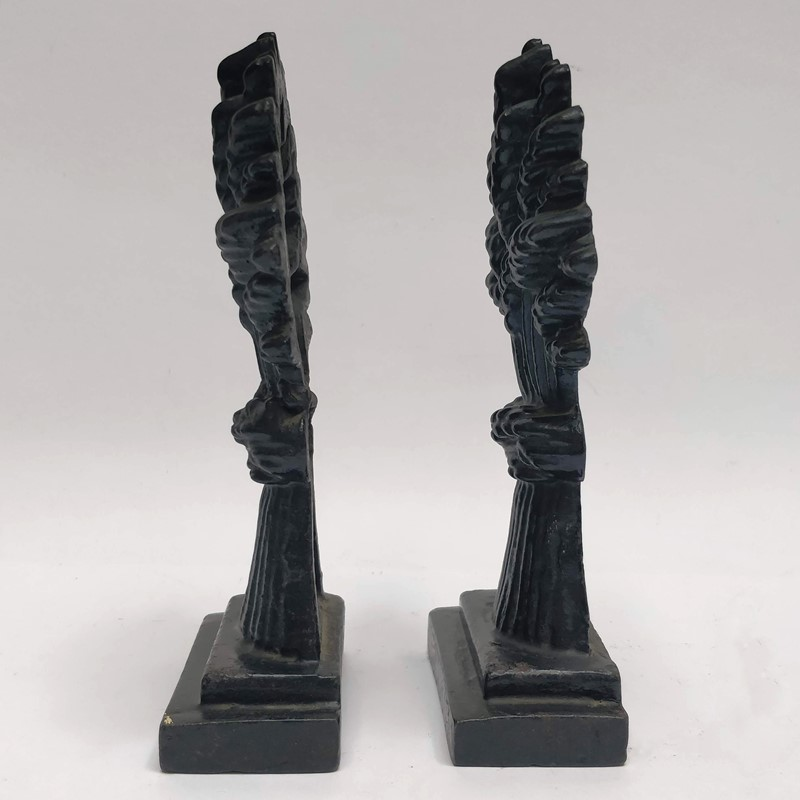 A pair of Wheatsheaf doorstops-general-store-no-2-4-main-636950212726037077.jpg