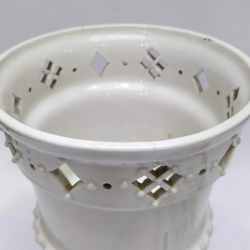 Covered White Stoneware Vase-general-store-no-2-8-main-636883205771081112.jpg