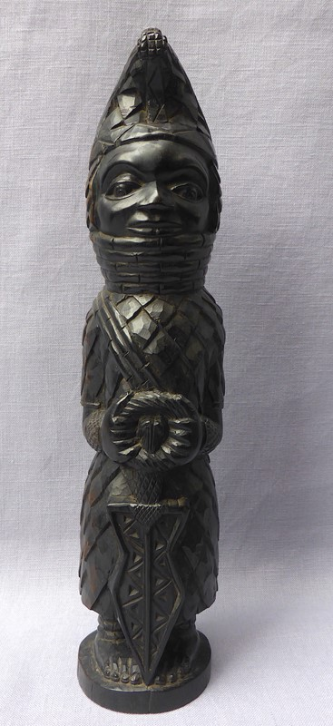 Carved tribal figure of the Benin Oba of Nigeria-ginger-tom-s-curious-eclectic-ce128b-hoarde-main-637007066615665003.JPG