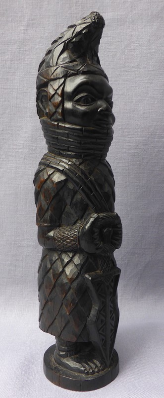Carved tribal figure of the Benin Oba of Nigeria-ginger-tom-s-curious-eclectic-ce128e-hoarde-main-637007066636757971.JPG