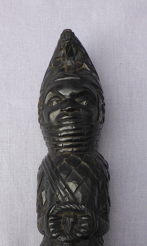 Carved tribal figure of the Benin Oba of Nigeria-ginger-tom-s-curious-eclectic-ce128f-hoarde-main-637007066643945437.JPG