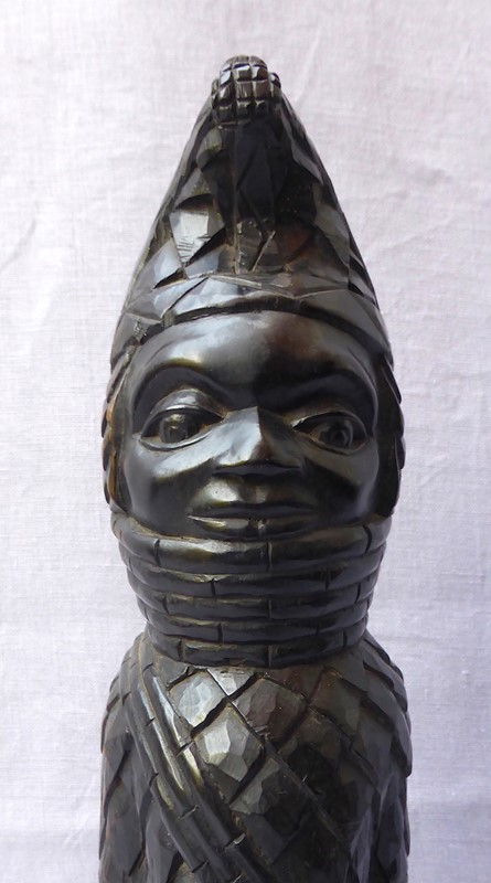 Carved tribal figure of the Benin Oba of Nigeria-ginger-tom-s-curious-eclectic-ce128i-hoarde-main-637007066670507810.JPG