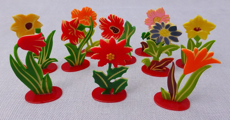 Set of 12 1930s celluloid flower place markers-ginger-tom-s-curious-eclectic-ce433d-hoarde-main-636988950987627571.JPG