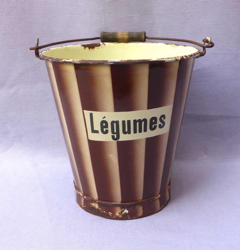 1930s French enamelware légumes bucket-ginger-tom-s-curious-eclectic-ce499a-hoarde-main-637290402380468442.JPG